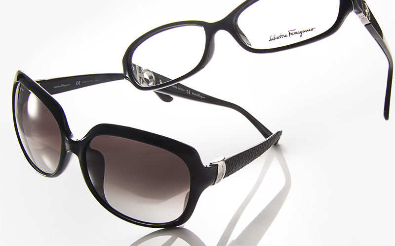 Ferragamo: sunglass and frame