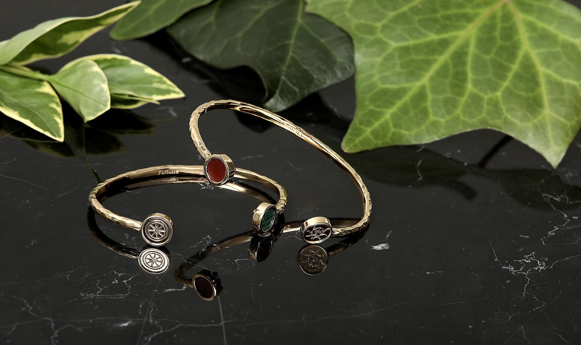 Les Néréides:Earrings & Bracelets